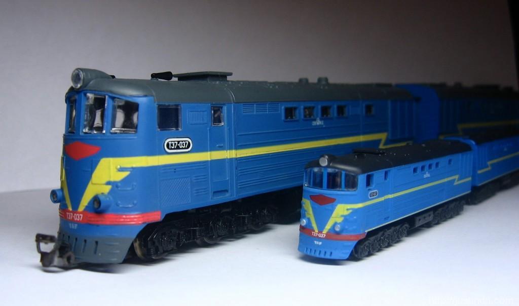 Модель ТЭ7 в Z (1:220)