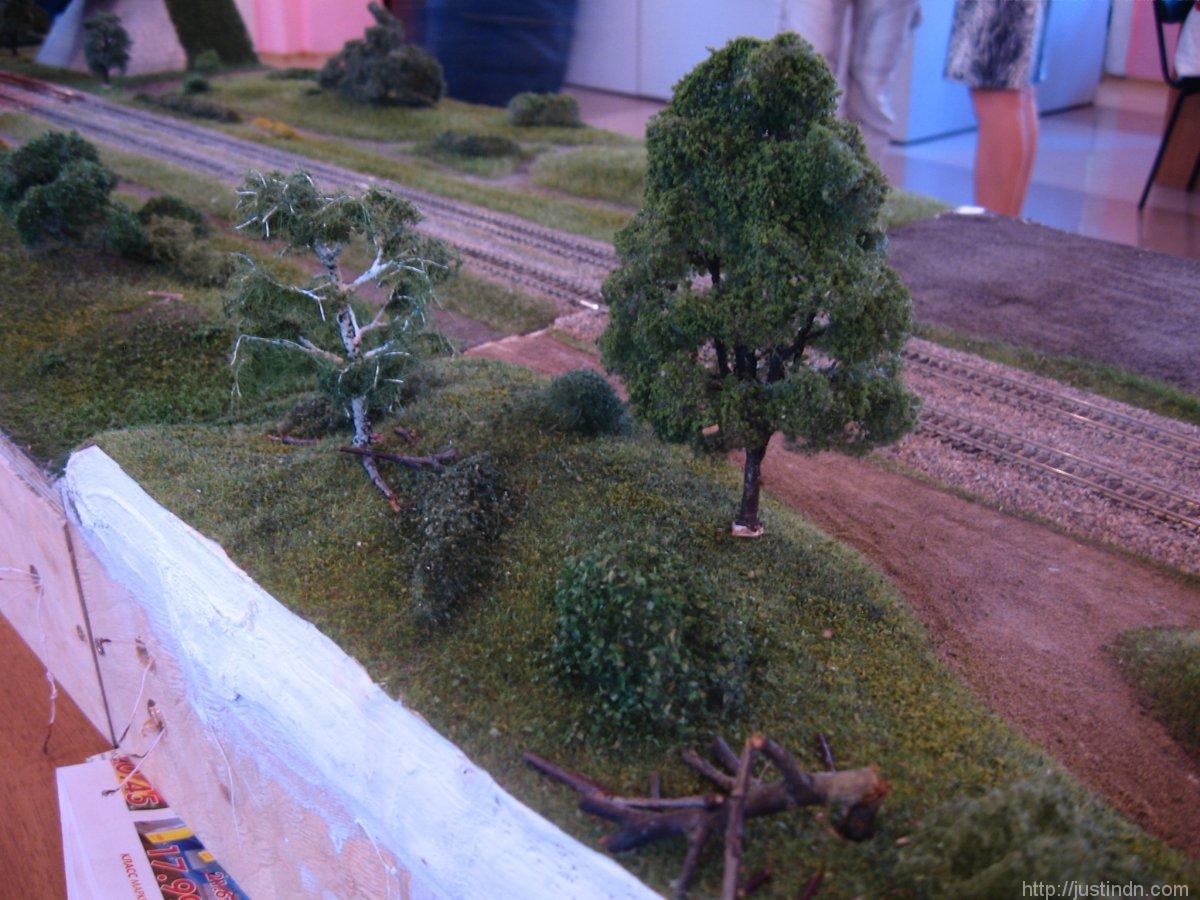 third_railroad_model_exhibition_trees_12244