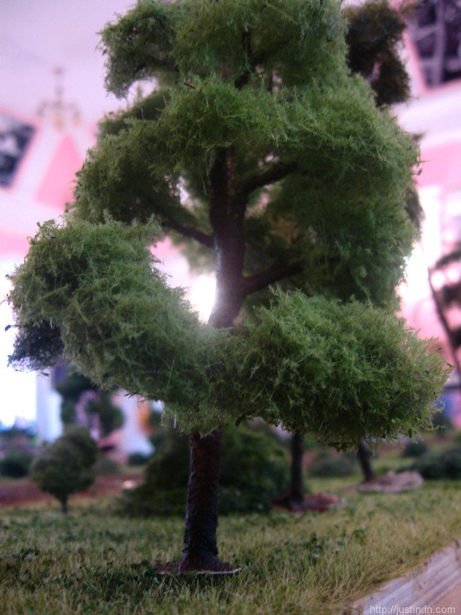 third_railroad_model_exhibition_trees_64993
