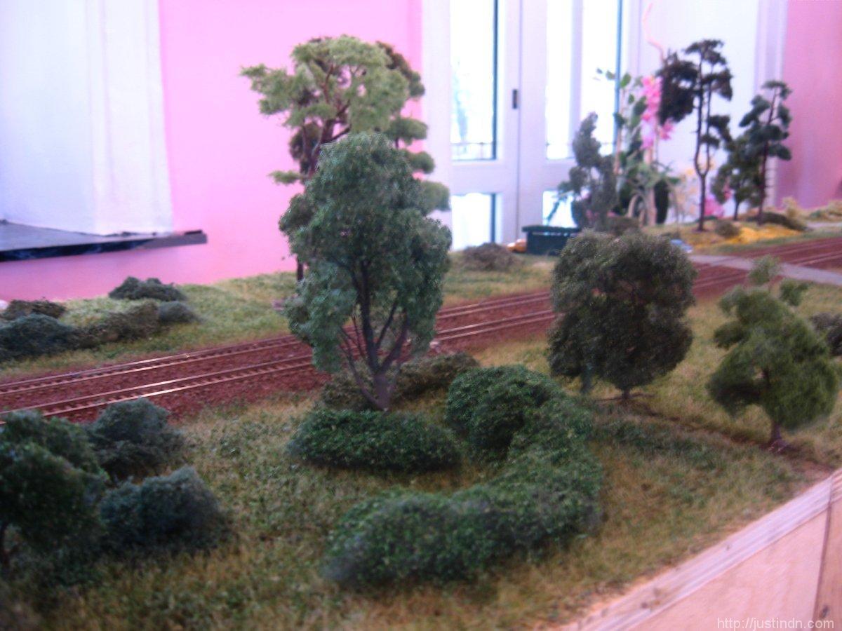 third_railroad_model_exhibition_trees_72949