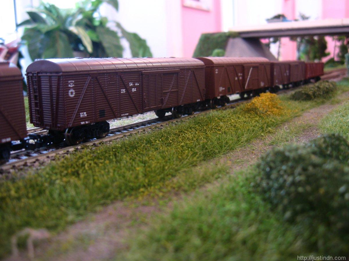 third_railway_model_exhibition_green_03
