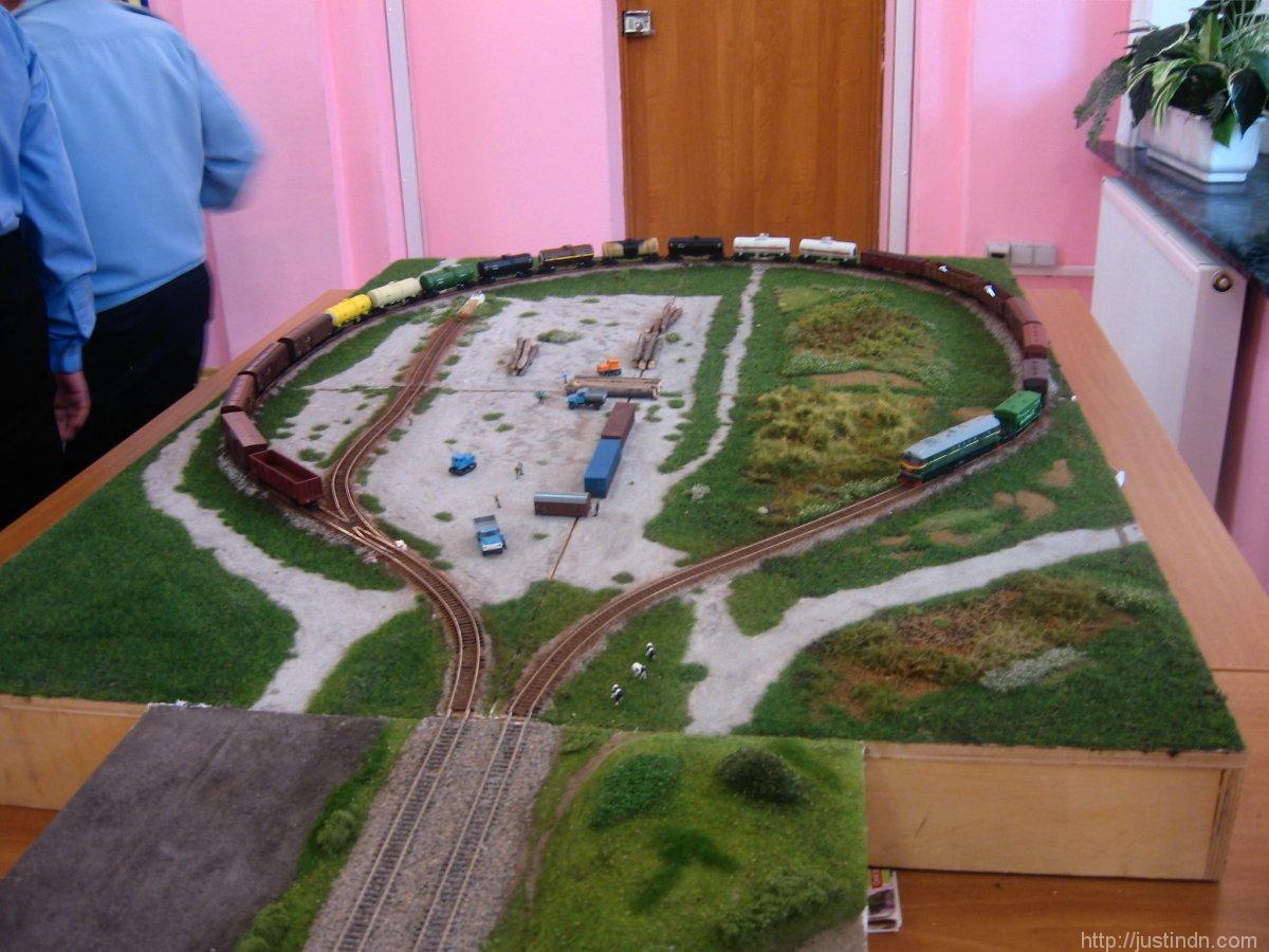 third_railway_model_exhibition_green_04